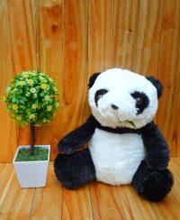 Boneka Panda Daun M